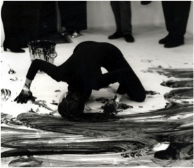 Janine Antoni performing Loving Care at Anthony d'Offay Gallery, London, 1993 (by Prudence Cumming Associates)