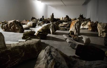 6_Installation view_Adrián Villar Rojas. Rinascimento, 2015, installation view, Fondazione Sandretto Re Rebaudengo, Torino