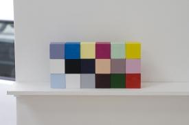 Aurelién Froment, Aurélien Froment Debuilding (Kodak Color Control Patches), 2009, painted wooden cubes of 2,5 cm each. View of the exhibition Moon star love, 2009 - Photo Aurélien Mole